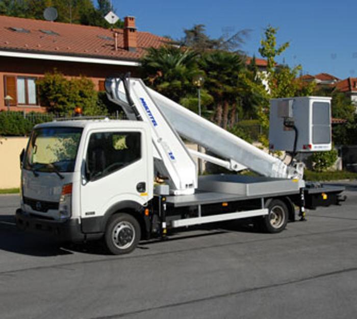 Camions nacelle diesel 20,2M MULTITEL MT 202 DS porteur RENAULT 150CV